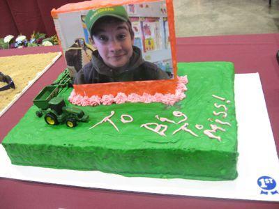 hilarious_face_cake.JPG