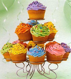 1252082132-cupcake-stand_49.jpg