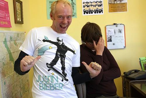 new justin bieber pics 2010. New Justin Bieber T-Shirt?