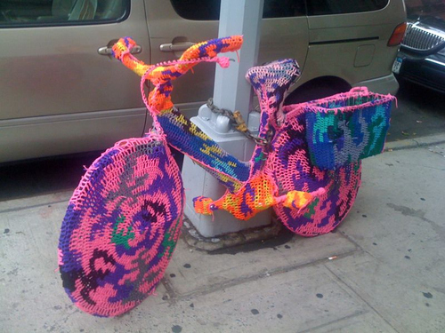 sweater-bike-in-soho-nyc-23278-1279815109-23.jpg