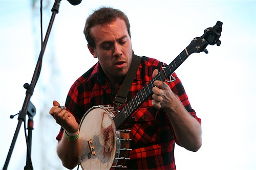 David Moore of Langhorne Slims band, and his bloody banjo at Pickathon