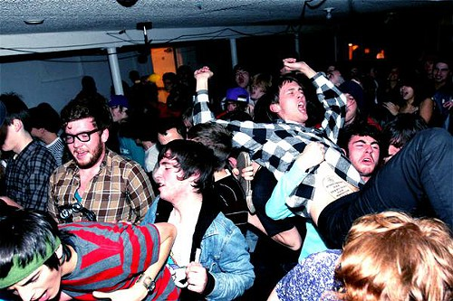 Photo of the crowd at a White Fang show at the Artistery