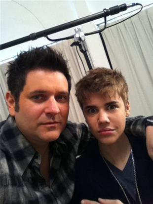 justin bieber haircut 2011 for charity. Justin Bieber (right), someone