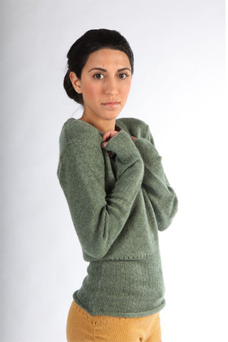 souchi_crop_mina_cashmere_crew_neck_sweater_large.jpg