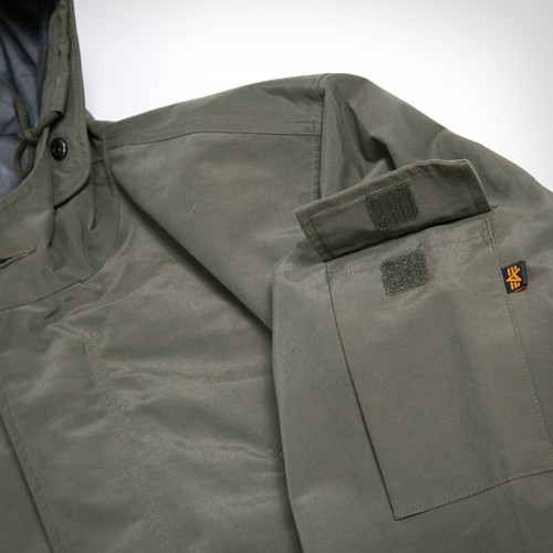 fishtail_parka_pocket.jpg