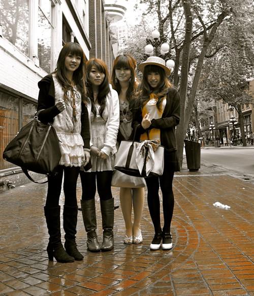 van_bc_street_style-_four_girls.jpg